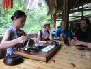 Чайная возле материнских кустов Да Хун Пао