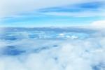 oboi-na-stol.com-275448-priroda-nebo-oblaka-vozduh-goluboy-vysota-001